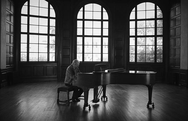 BW_At My PianoB2